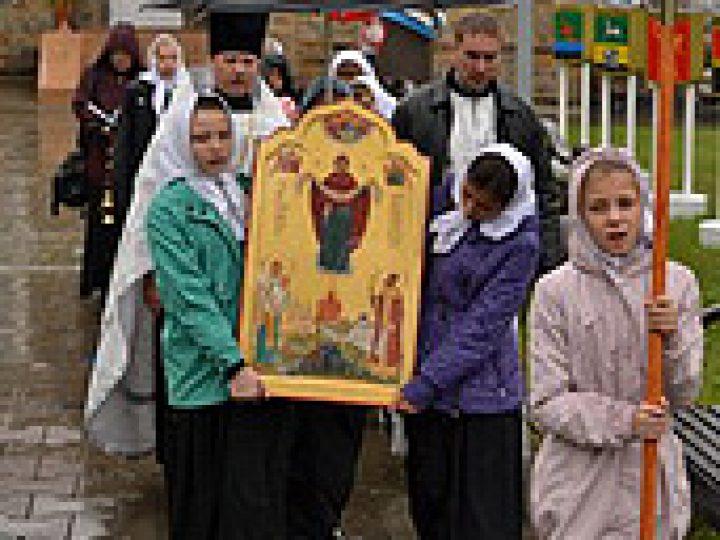В честь Дня шахтера прошел Всекузбасский крестный ход на автомобилях