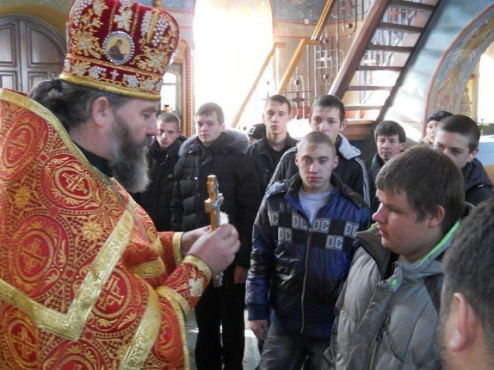 Призывники Киселевска отправятся на военную службу с благословения священника