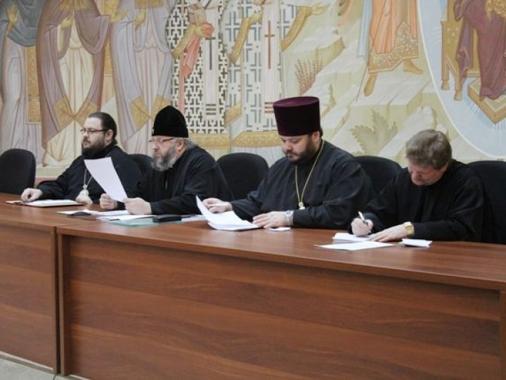 В Кемерове состоялось собрание духовенства всех трех епархий Кузбасской митрополии, посвященное итогам Архиерейского Собора