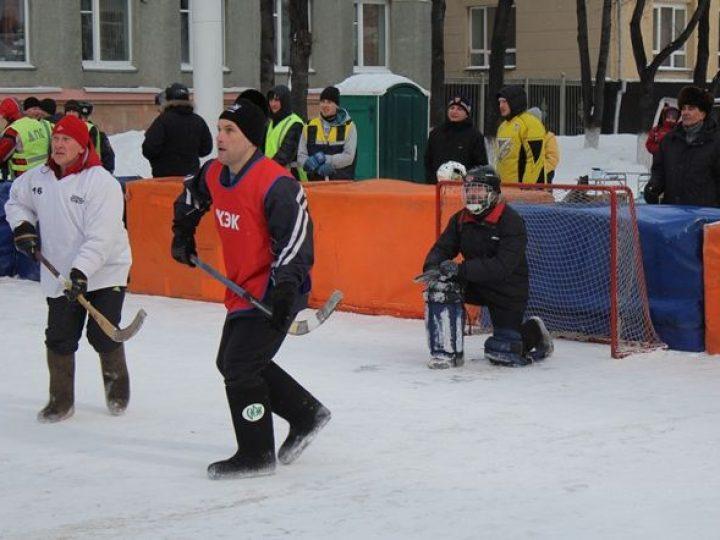 Команда «Епархия» по хоккею с мячом в валенках приняла участие в четвертом этапе Кубка Кузбасса