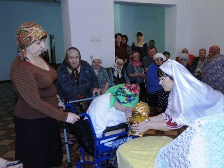 Честные мощи святителя Луки (Войно-Ясенецкого) побывали в Доме милосердия А-Судженска