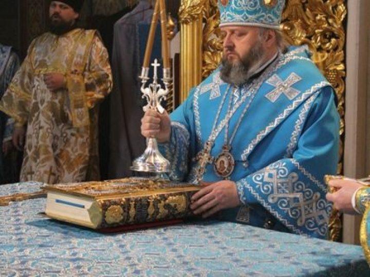 В праздник Благовещения Пресвятой Богородицы глава Кузбасской митрополии совершил Литургию в Знаменском соборе