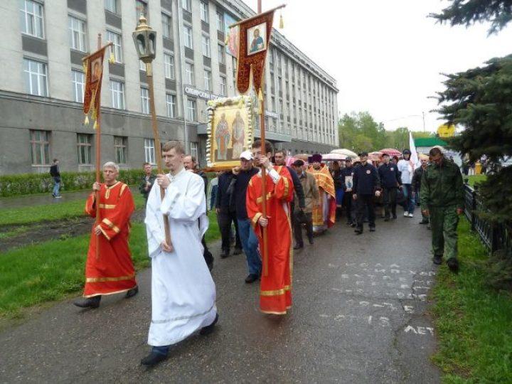 В городах Кузбасса прошли крестные ходы в честь Дня славянской письменности и культуры