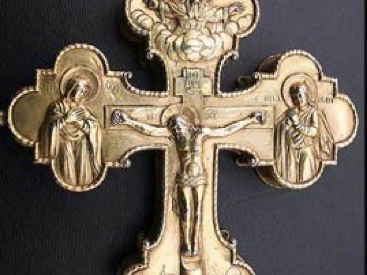В Кузбасскую митрополию будет принесен крест-мощевик с частицей Ризы Господней