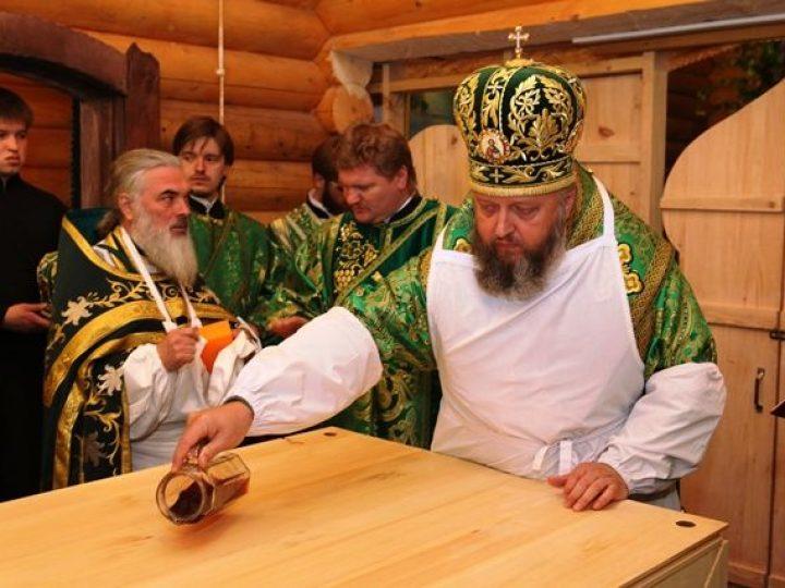 Митрополит Аристарх совершил освящение храма прп. Александра Свирского в деревне Журавлево
