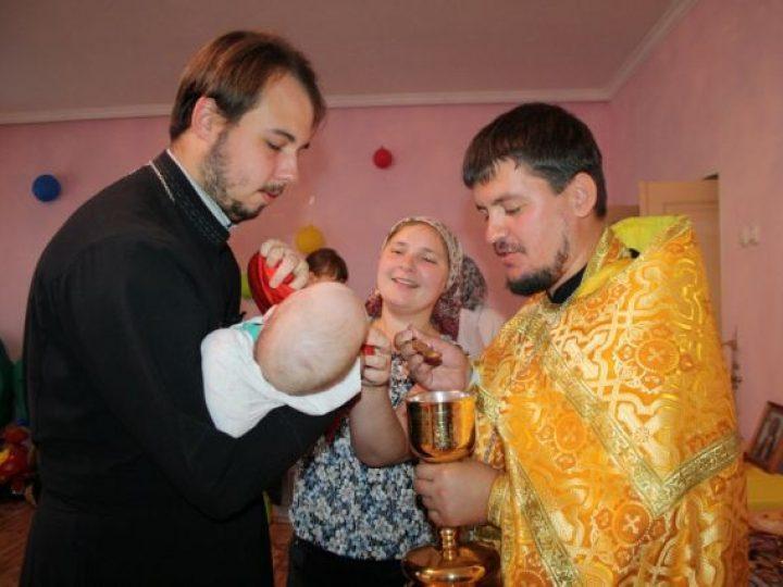 В полысаевском Доме ребенка отслужена Божественная литургия
