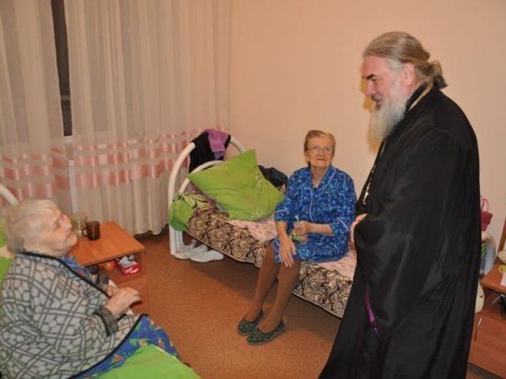На Крещение в Доме-интернате для престарелых под Кемеровом совершен чин великого освящения воды