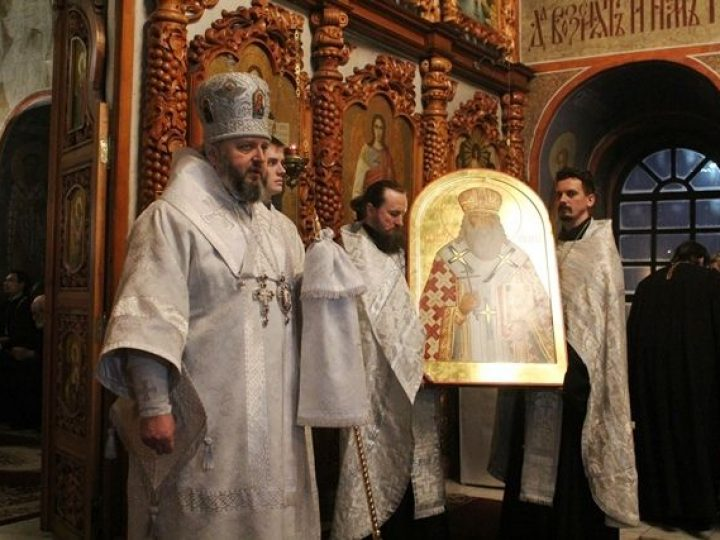 Глава Кузбасской митрополии передал в дар Преображенскому собору Новокузнецка икону святого, проживавшего на земле Кузнецкой