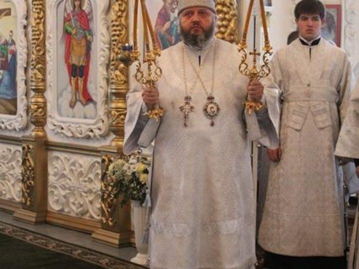 Митрополит Аристарх совершил Литургию в Всесвятском храме Междуреченска