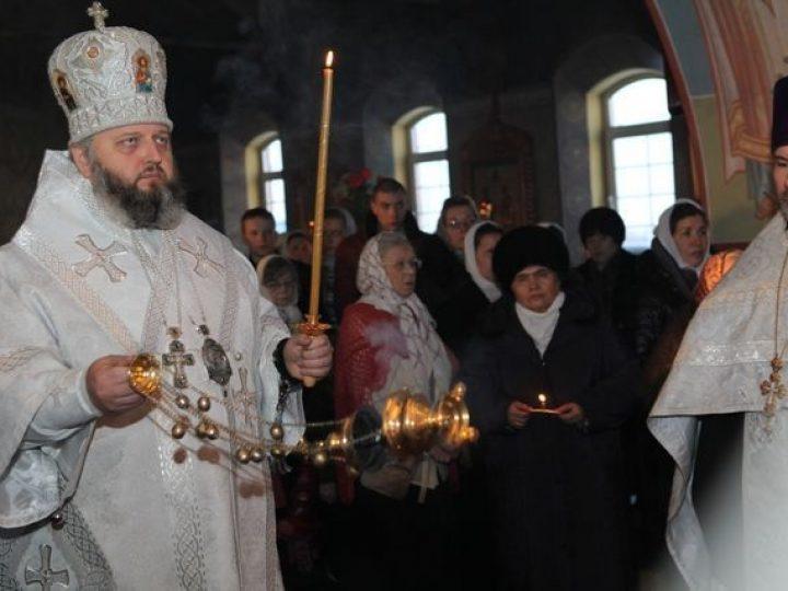 Митрополит Аристарх совершил всенощное бдение в храме Киселевска