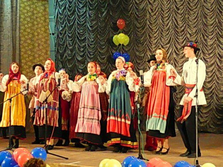 В Крапивинском районе прошел фестиваль русского фольклора «Крещенские вечерки»