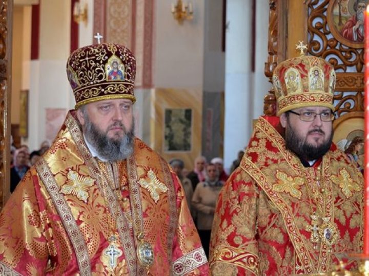 В праздник Антипасхи митрополит Аристарх и епископ Иннокентий совершили Литургию в соборе Юрги