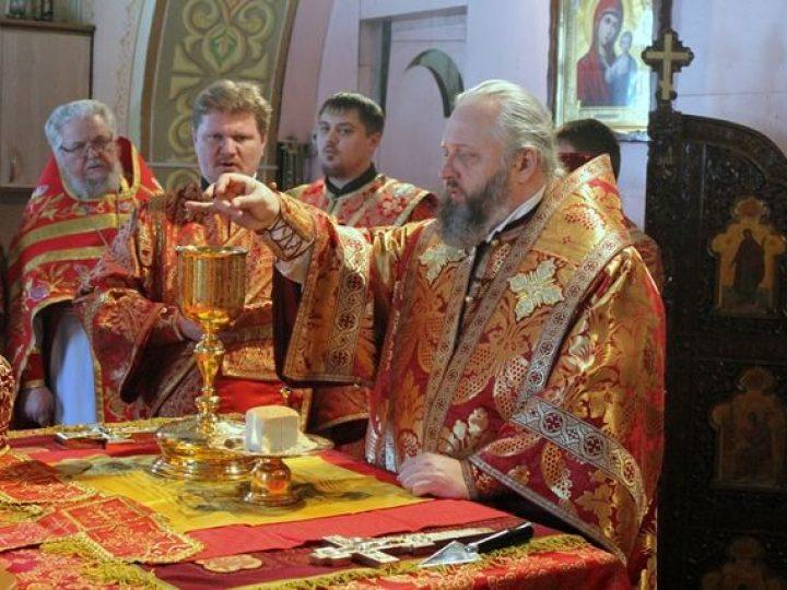 В пятницу Светлой седмицы правящий архиерей совершил богослужения в храме и монастыре Л-Кузнецкого