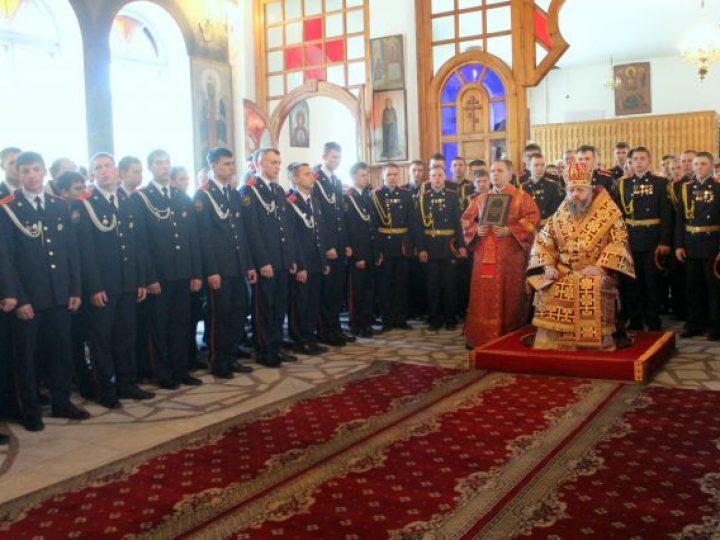 Митрополит Аристарх совершил Литургию в Свято-Георгиевском храме Кемерова