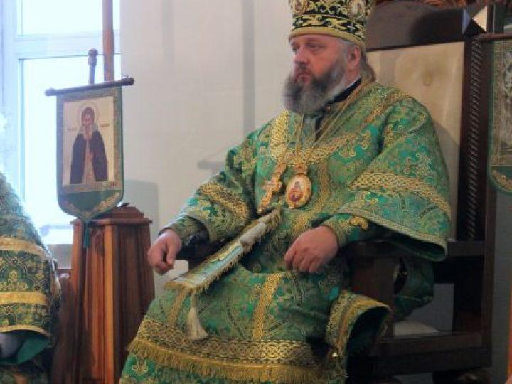 В день преставления прп. Сергия Радонежского митрополит Аристарх возглавил служение Литургии в храме поселка Комиссарово