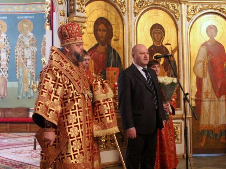 В день памяти небесной покровительницы шахтеров митрополит Аристарх совершил молебен в Знаменском соборе