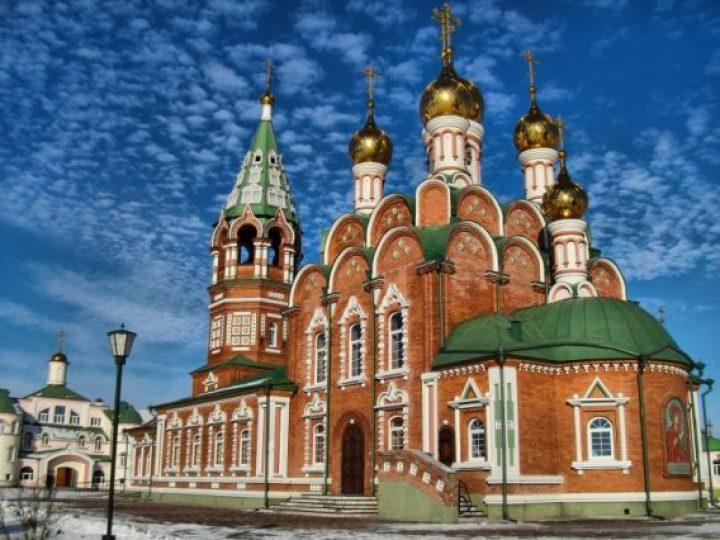 В четверг Светлой седмицы глава Кузбасской митрополии совершил богослужения в храмах Киселевска и Ленинска-Кузнецкого