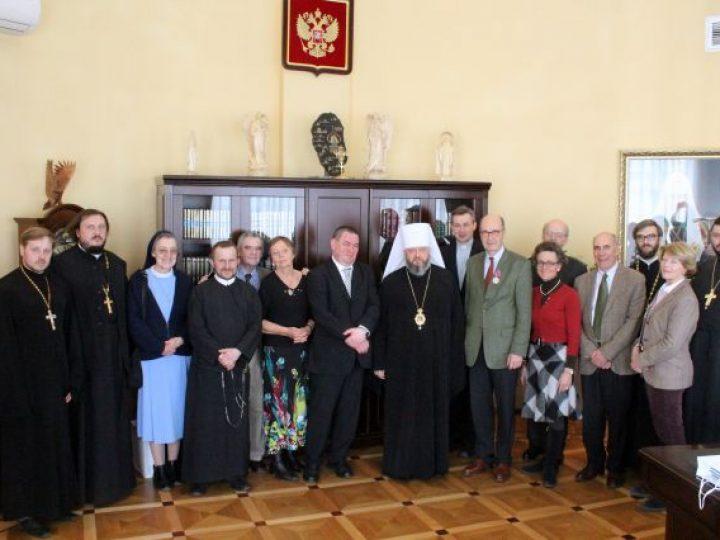 Митрополит Аристарх провел встречу с представителями Международного фонда «Помощь Церкви в нужде»