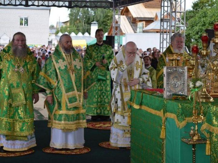 Митрополит Аристарх принял участие в торжествах по случаю дня памяти святых Петра и Февронии, прошедших в Муроме