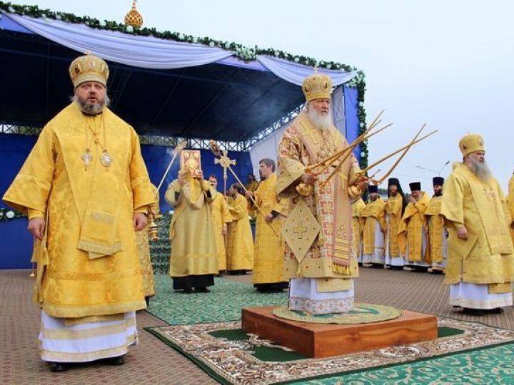 Группа кузбасских паломников во главе с митрополитом Аристархом побывала на Патриаршем богослужении в Горно-Алтайске