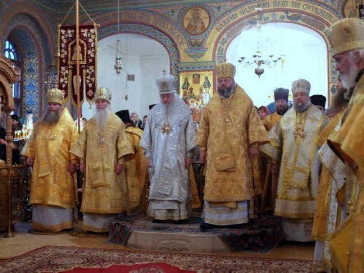 Митрополит Аристарх принял участие в торжествах по случаю 25-летия служения главы Владимирской митрополии в сане архиерея