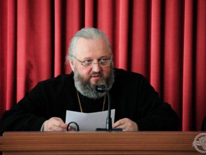 Митрополит Аристарх провел рабочий день в Кузбасской семинарии