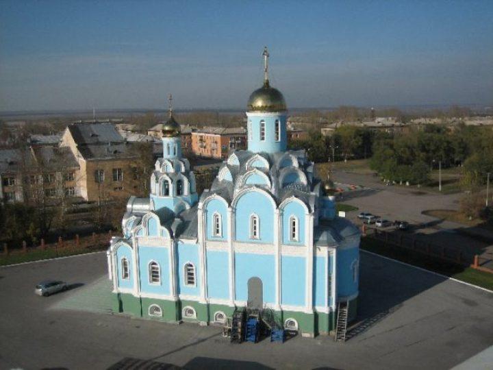 В Неделю 5-ю по Пасхе, о самаряныне, митрополит Аристарх совершил Литургию в Успено-Никольском храме Белова