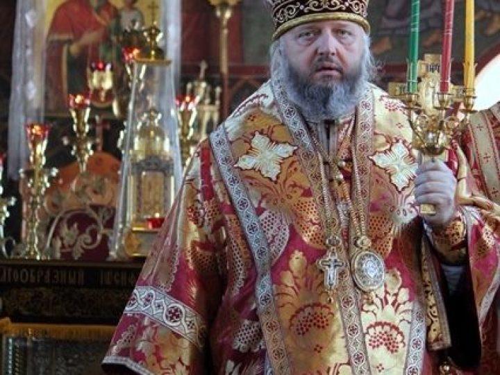 В среду Светлой седмицы митрополит Аристарх совершил богослужения в храмах Киселевска