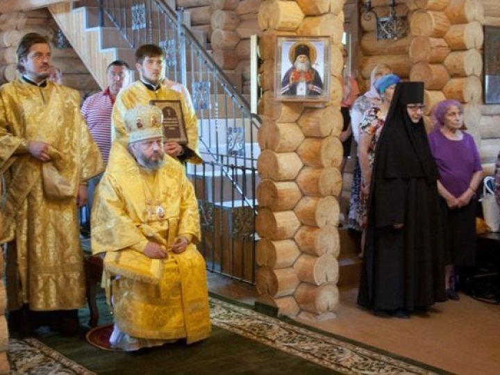 В Неделю 1-ю по Пятидесятнице, Всех cвятых, митрополит Аристарх совершил Литургию в Всесвятском храме Кемеровского района