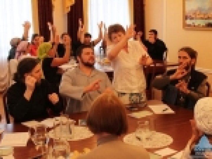 В Курске завершились курсы жестового языка для священнослужителей и мирян