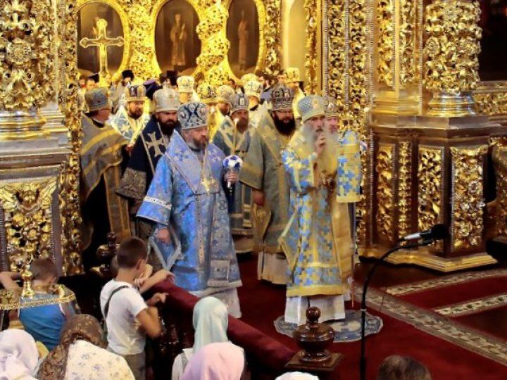 Митрополит Аристарх принял участие в церковных торжествах в честь иконы Божией Матери «Одигитрия» в Смоленске