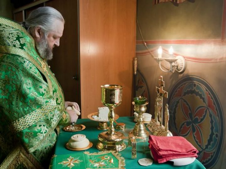 В день памяти прп. Серафима Саровского митрополит Аристарх совершил Литургию в храме поселка Грамотеино