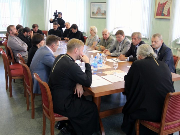 Глава митрополии встретился с ректорами вузов Кемерова