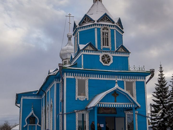 В праздник Покрова митрополит совершил две хиротонии в Покровском храме Прокопьевска