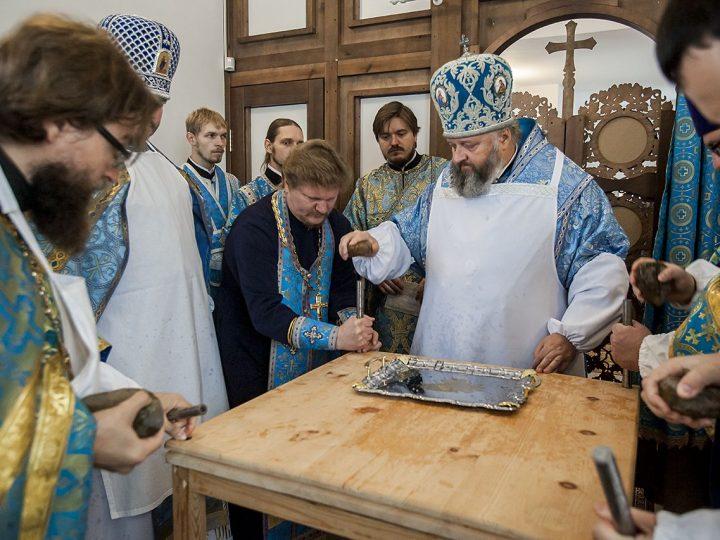 Митрополит Аристарх освятил новый храм в Берёзовском