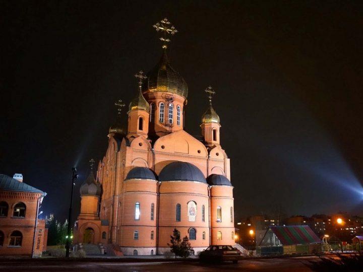 В канун воскресного дня митрополит Аристарх совершил всенощное бдение в кафедральном соборе