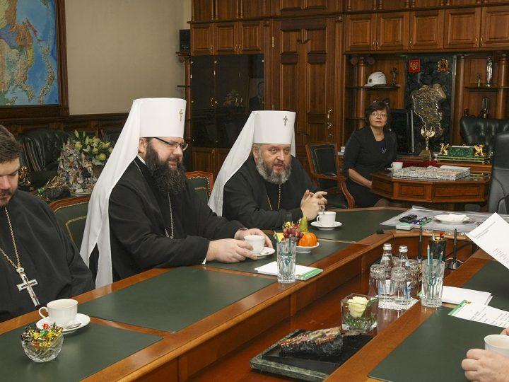 Главы Кузбасской и Смоленской митрополий встретились с Губернатором Кемеровской области