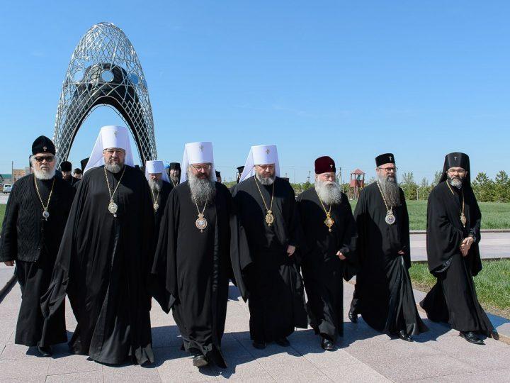 Владыка Аристарх посетил мемориальный комплекс «АЛЖИР» и храм в честь Акмолинских новомучениц в республике Казахстан