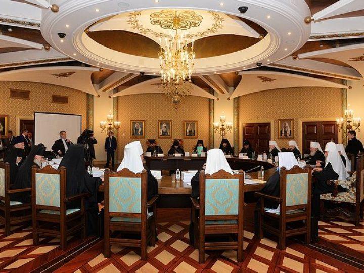 Проходит очередное заседание Высшего Церковного Совета