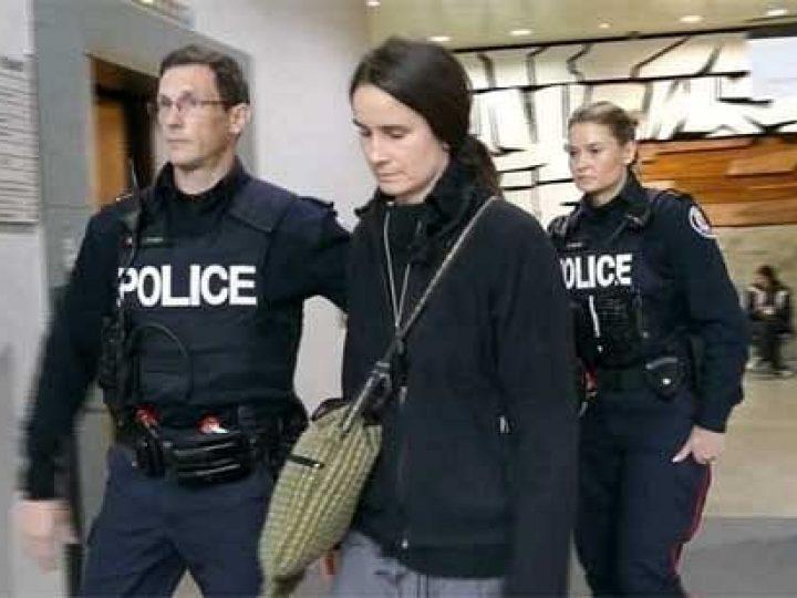 Тюрьма за цветы и добрые слова: жительницу Канады судят за мирную борьбу с абортами