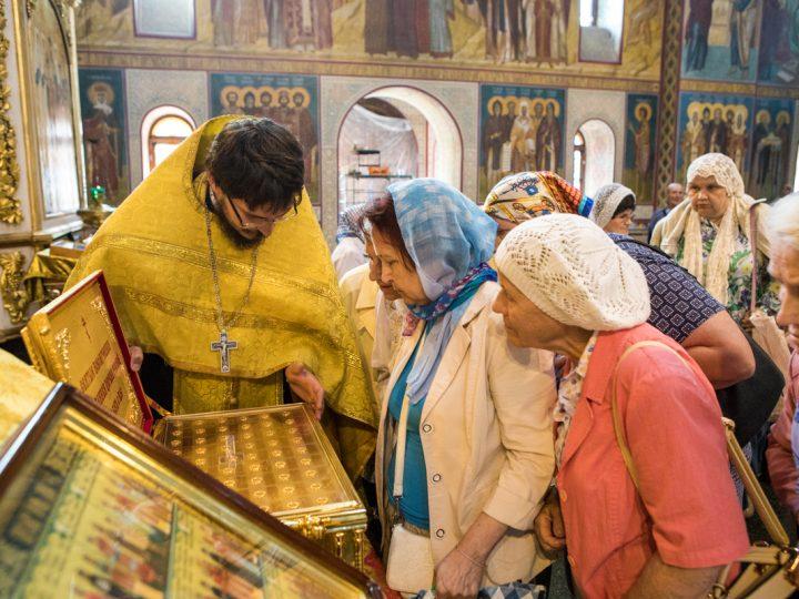 В Кемеровскую епархию прибыл ковчег с мощами Новомучеников и Исповедников Церкви Русской