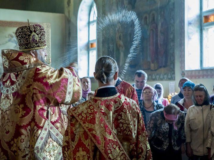 Храм великомученика Прокопия в Прокопьевске встретил престольный день