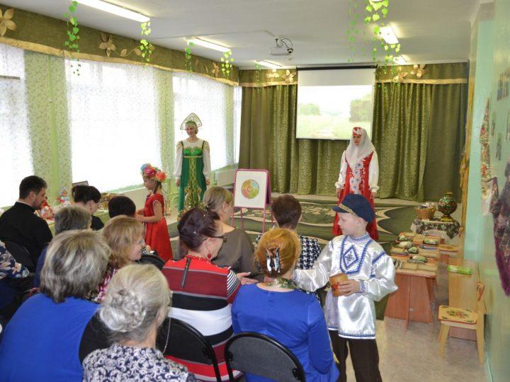 Руководитель отдела религиозного образования Кемеровской епархии принял участие в работе проблемно-ориентированного семинара по работе с семьей
