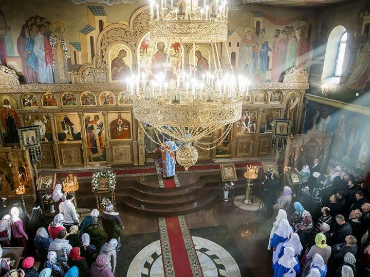 14 октября 2017 г. Празднование 25-летия со дня открытия Свято-Серафимо-Покровского женского монастыря г. Ленинска-Кузнецкого