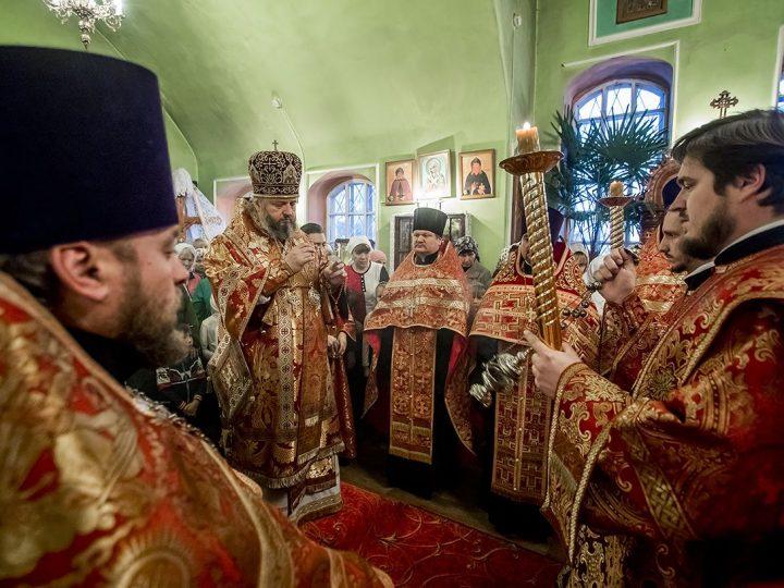 Служение митрополита в Гурьевском благочинии