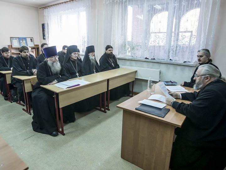 Выездное заседание педагогического совета Православных богословских курсов состоялось в Полысаеве