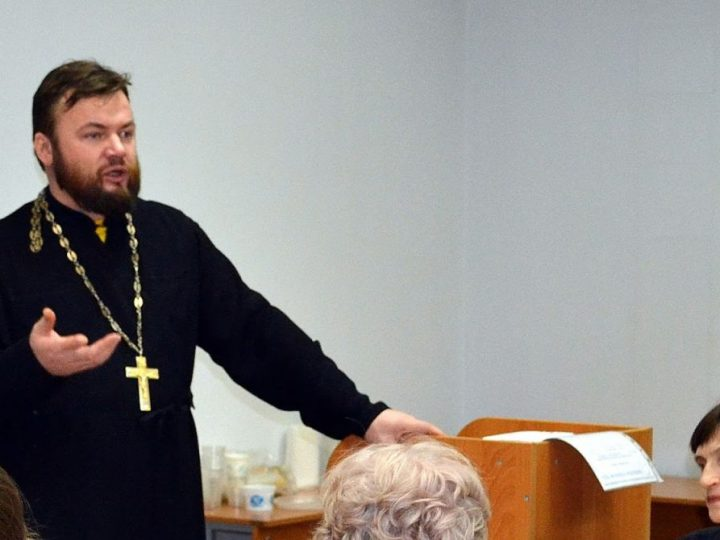 Пастырские беседы о церковном служении продолжаются