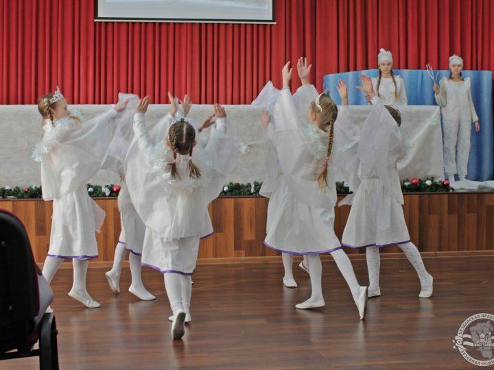 В Духовной семинарии Новокузнецка прошёл праздничный концерт воскресной школы при храме Рождества Христова