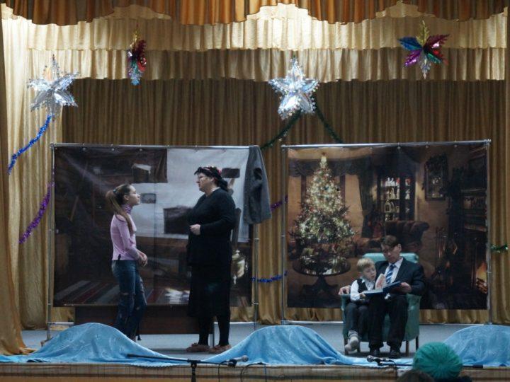 Рождественские гастроли зеледеевского православного театра прошли в Томской епархии