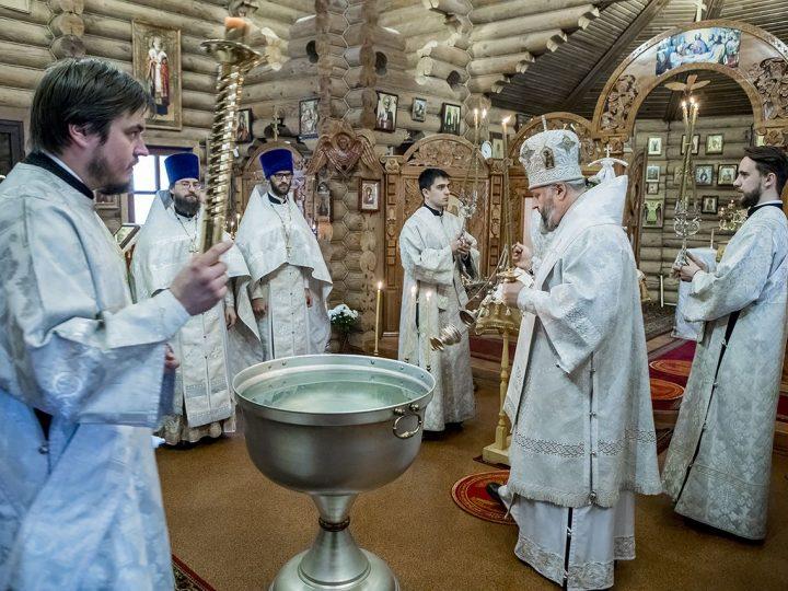 18 января 2018 г. Крещенский сочельник в кемеровском храме благоверного князя Александра Невского